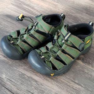 Keen boys sandals